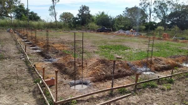 Prefeitura de Pium inicia construção de quadra de esportes no assentamento Pericatu