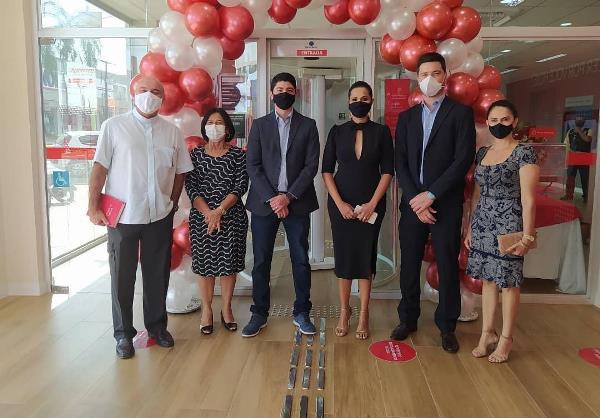 Presidente da Acip participa de inauguração da 1ª agência do Santander em Paraíso