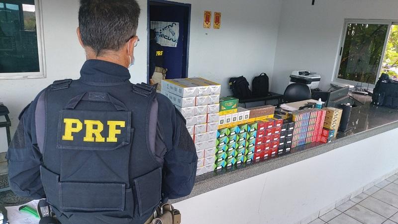 PRF apreende carga com 870 maços de cigarros transportados ilegalmente em Araguaína