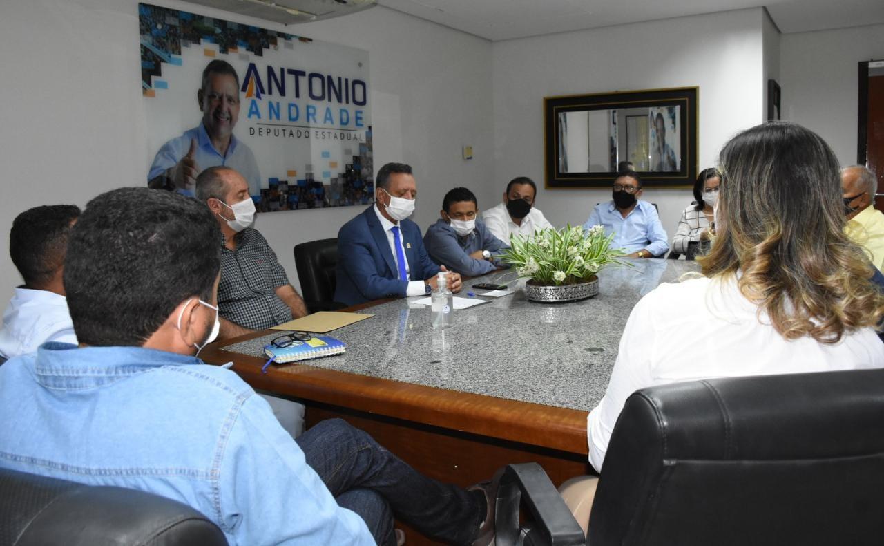 Antonio Andrade se reúne com prefeitos e vices do seu grupo e recebe apoio incondicional