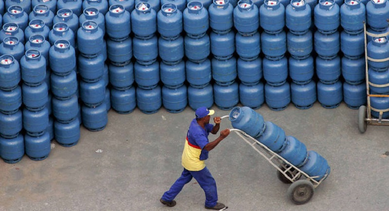 Gás de cozinha sobe antes de reajuste anunciado pela Petrobras