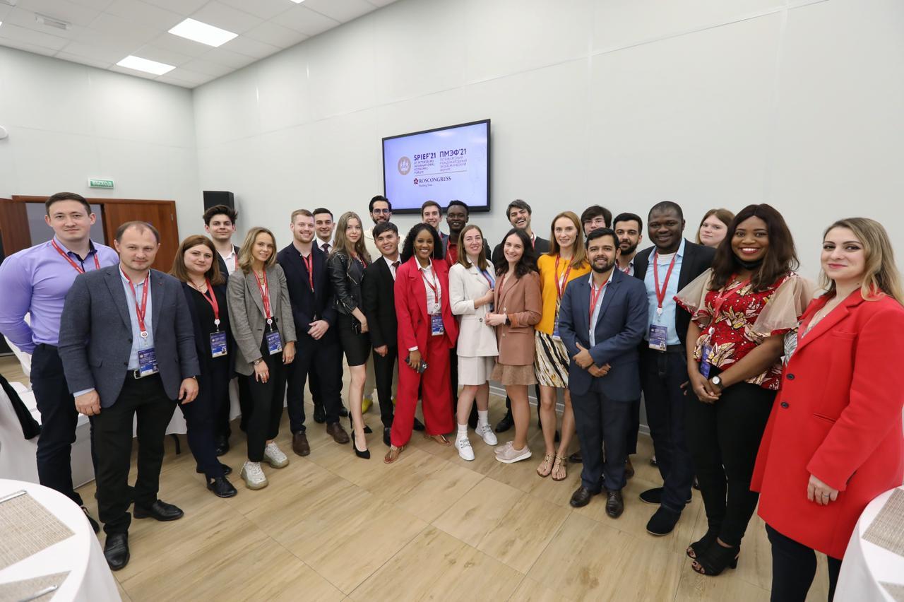 Na Rússia, tocantinense Gustavo Gama firma Termo de Cooperação com Organização Russa e Conjuve