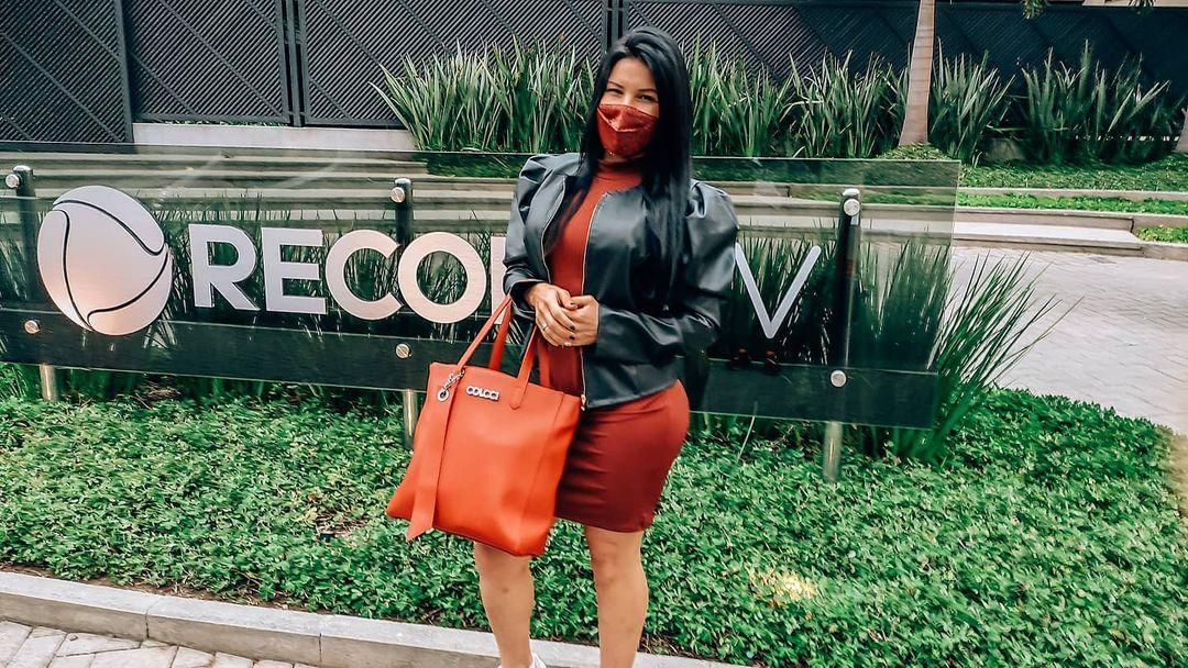 Atriz e empresária Nil Ferreira faz sucesso nas redes sociais