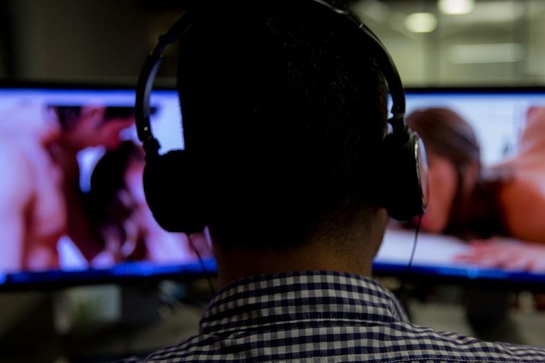 Pesquisa revela dados da indústria pornográfica e seus impactos na vida das pessoas