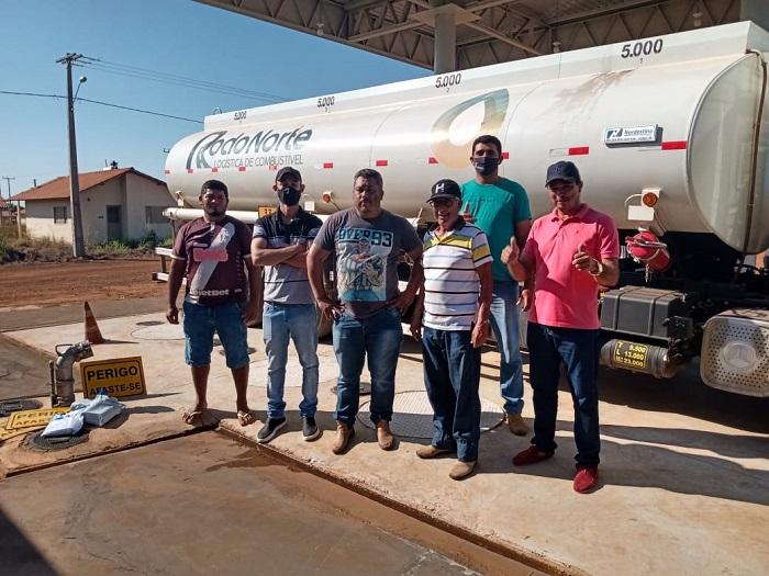 Prefeitura de Chapada de Areia celebra instalação de posto de combustível no município