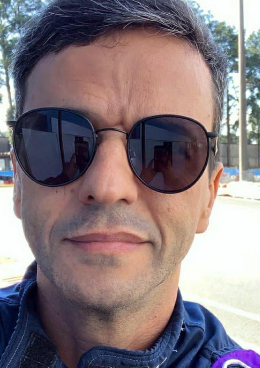 Publicitário Sandro Andrade usa transito da capital paulista para fazer vídeos em redes sociais