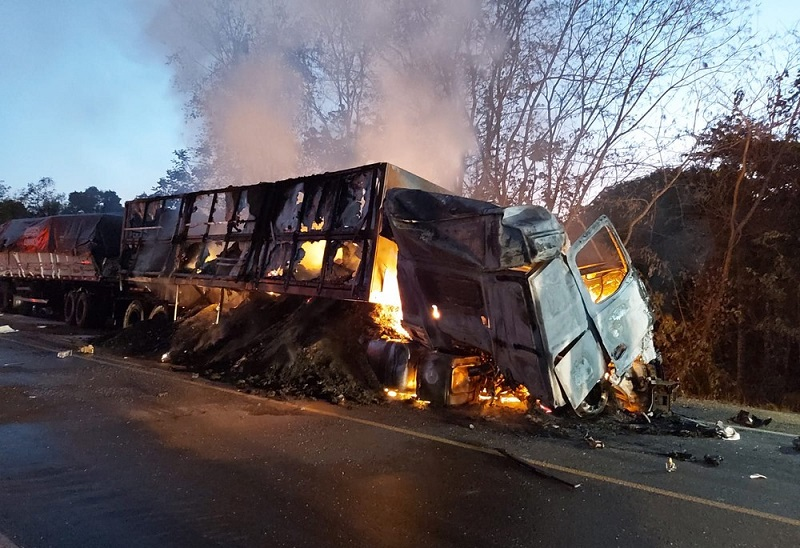 Homem morre carbonizado após acidente envolvendo 5 veículos na BR-153 entre Aliança e Gurupi