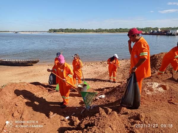 Coordenada pela Secretaria Municipal de Meio Ambiente, Brigada de Caseara realiza limpeza do porto da balsa