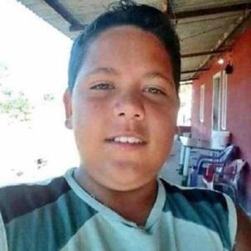 Adolescente de 13 anos é encontrado morto com marcas de tiros no RJ