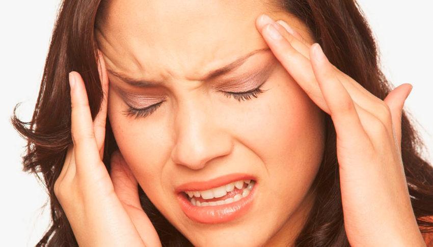 Veja os 9 principais sintomas de enxaqueca e quem tem maior risco.