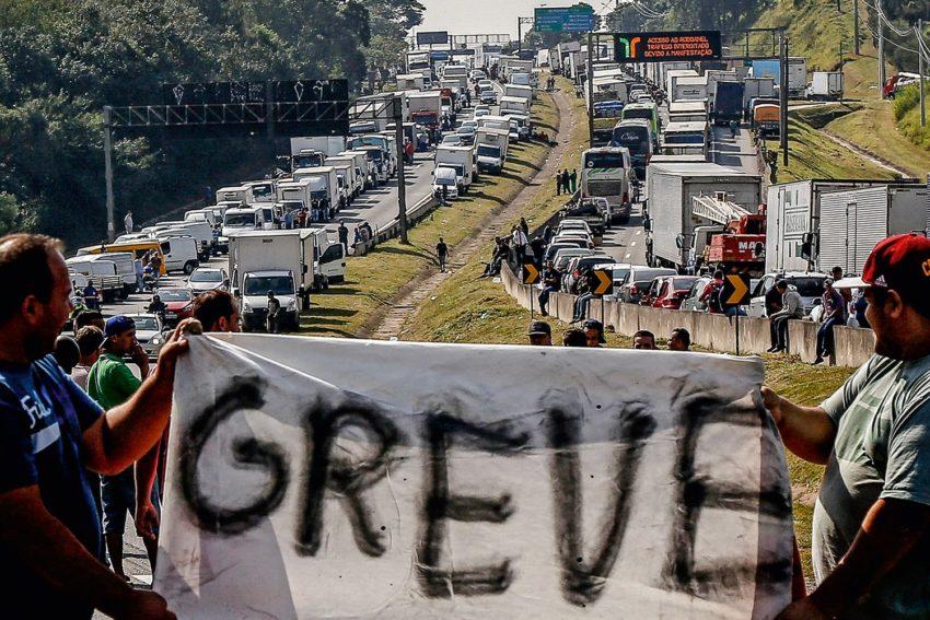 Greve dos caminhoneiros segue prevista para domingo