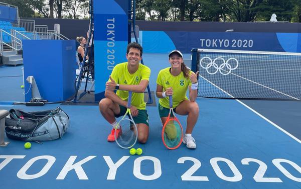Marcelo Melo enfrenta Novak Djokovic na estreia nas duplas mistas nesta quarta-feira (28) em Tóquio