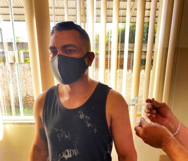 Vacinação contra Covid para 40+ em Palmas segue até às 17h neste sábado