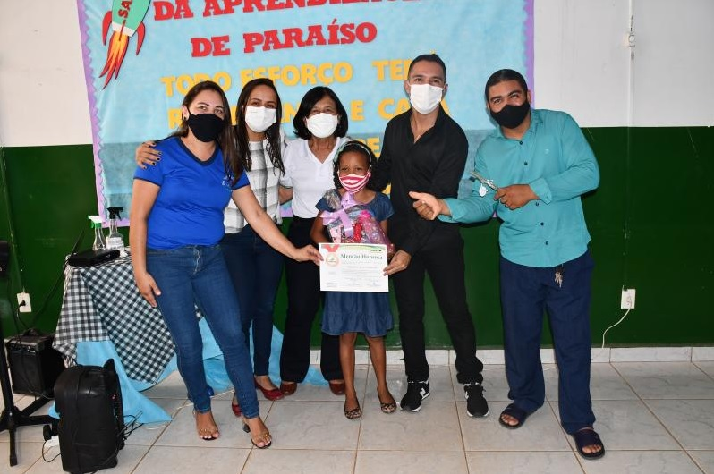 Escola Municipal Adélia Aguiar Barbosa, em Paraíso-TO, premia alunos destaques no SAAP