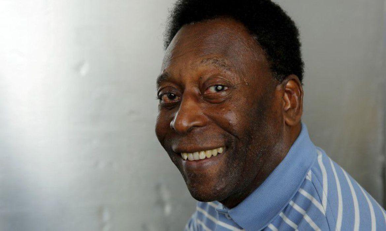 Pelé se recupera de maneira satisfatória após retirar tumor