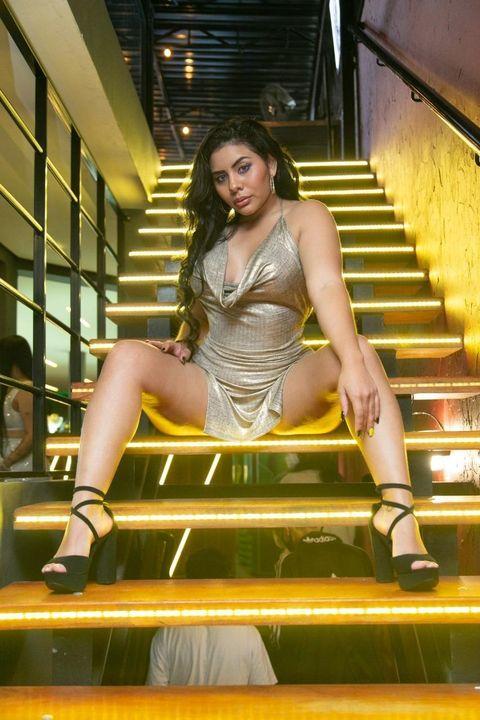 Candidata à Musa do Botafogo, equatoriana Nicole Bonilla ostenta curvas impressionantes em ensaio fotográfico