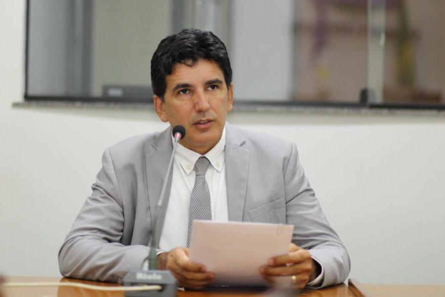 Professor Júnior Geo solicita a pavimentação de rodovias e recuperação de trechos críticos das estradas estaduais