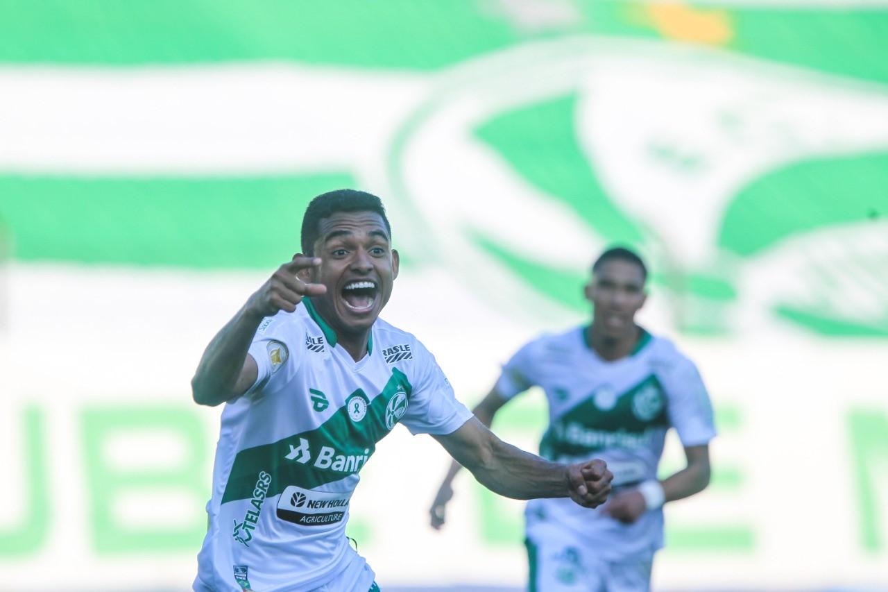 Dawhan celebra primeiro gol pelo Juventude e destaca entrega da equipe na vitória sobre o Santos