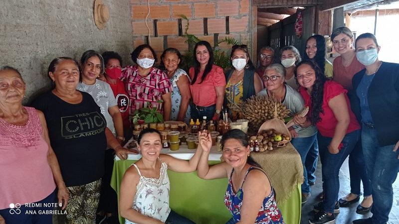 Prefeitura de Caseara participa de encontro de mulheres agroextrativistas da APA Cantão