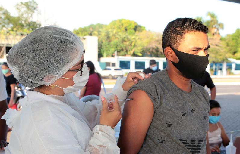 Saúde levará veículo da vacina móvel contra covid-19 para os bairros em Araguaína
