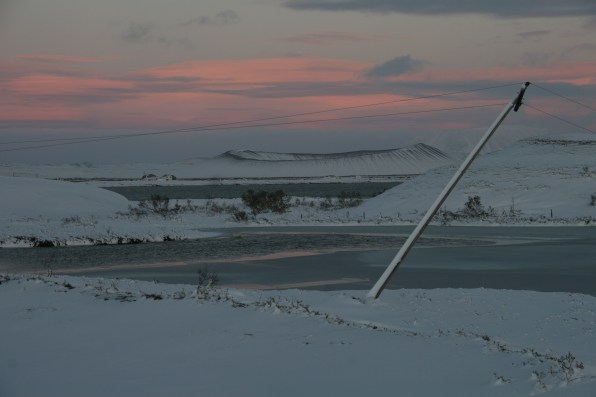 Lac Myvatn sous la neige après la tempête, Islande, septembre 2012