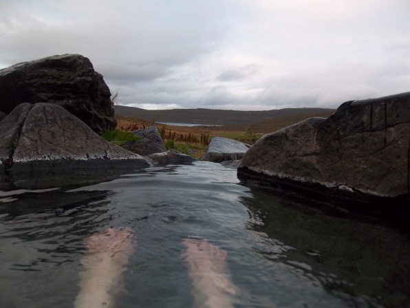 Bain chaud naturel, Heydalur, Islande, septembre 2012