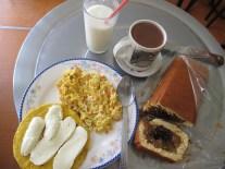 Déjeuner parfait à Aguadas avec le fameux Pionono