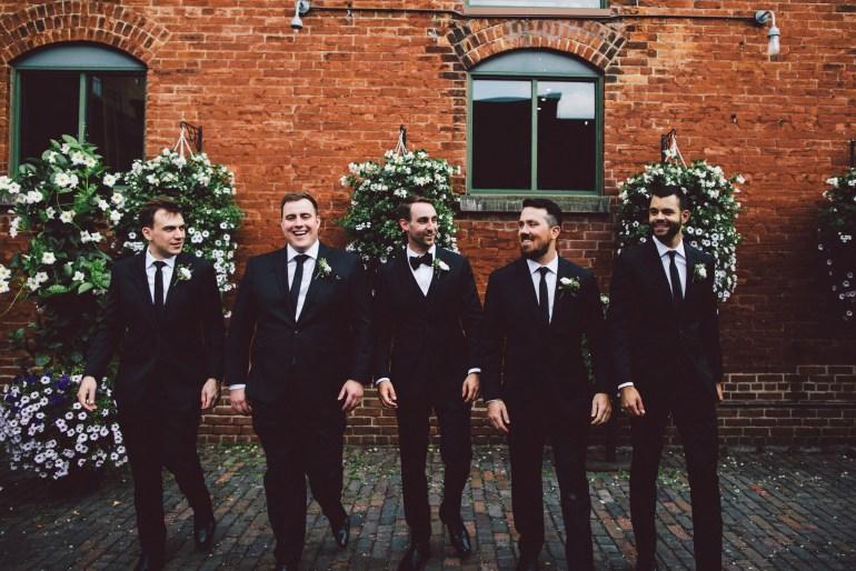Complet pour le marié et les garçons d'honneur