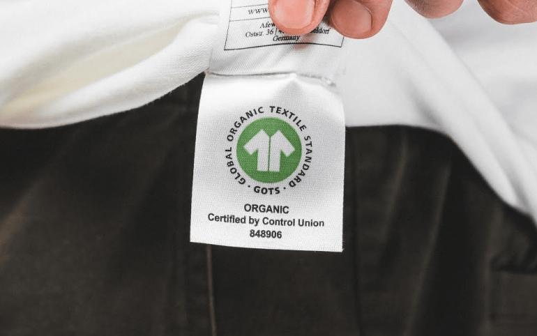 Étiquette arborant la certification GOTS