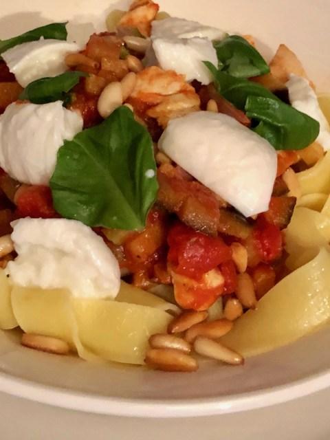Tagliatelle with chicken, zucchini and buffalo mozzarella