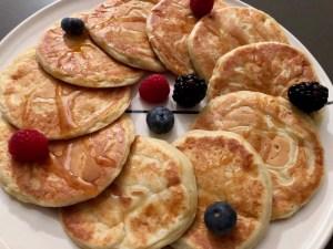 American ricotta-lemon pancakes with buttermilk