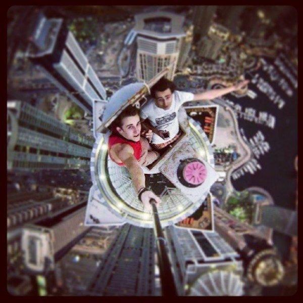 surprisinglives.net/burj-khalifa-selfie/