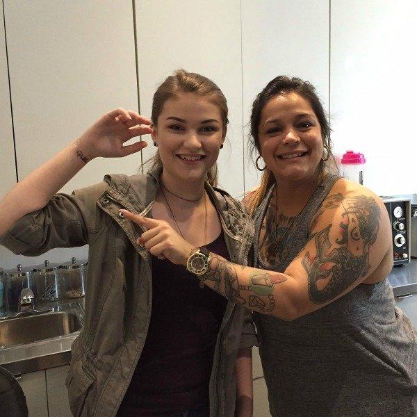 tattoo-artist-lorena-blackline-studio-surprising-lives/
