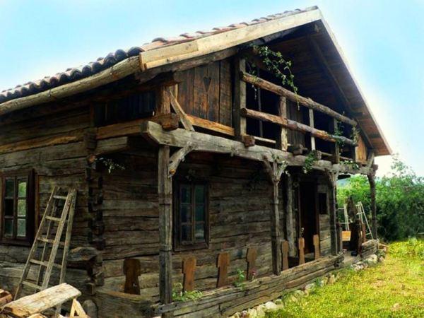 despre-case-din-lemn-vechi-mester-Danut-Hotea-case-rustice-din-lemn-19