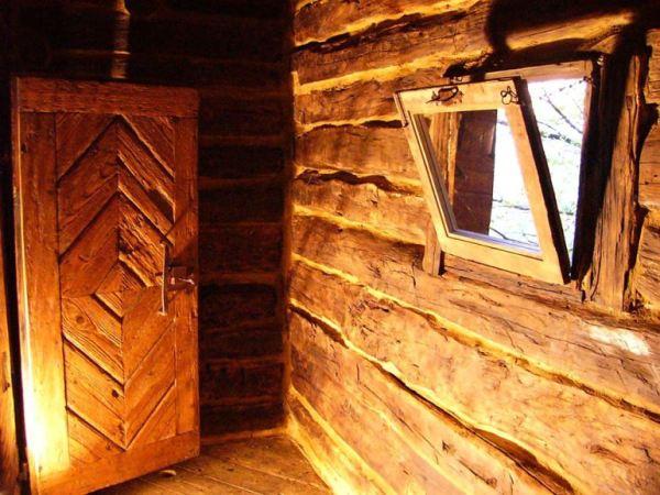 despre-case-din-lemn-vechi-mester-Danut-Hotea-case-rustice-din-lemn-5