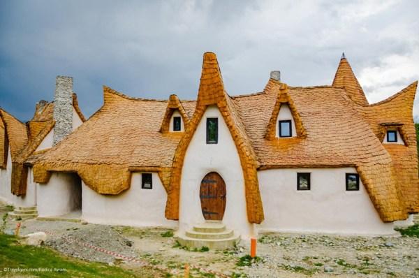 Castelul de lut Valea Zanelor Porumbacu de Sus 2