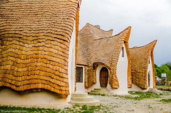 Castelul de lut Valea Zanelor Porumbacu de Sus 3