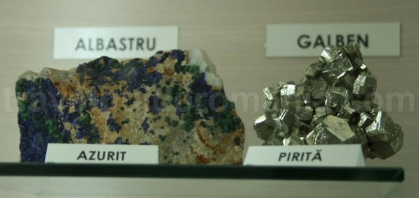 Azurit si Pirita de la Muzeul Aurului – Brad