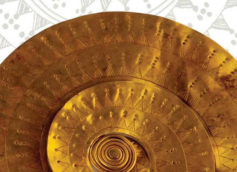 PREMIERĂ – 11 podoabe din aur din tezaurul preistoric de la Sarasău (Maramureş), expuse pentru prima dată la Muzeul Naţional de Istorie