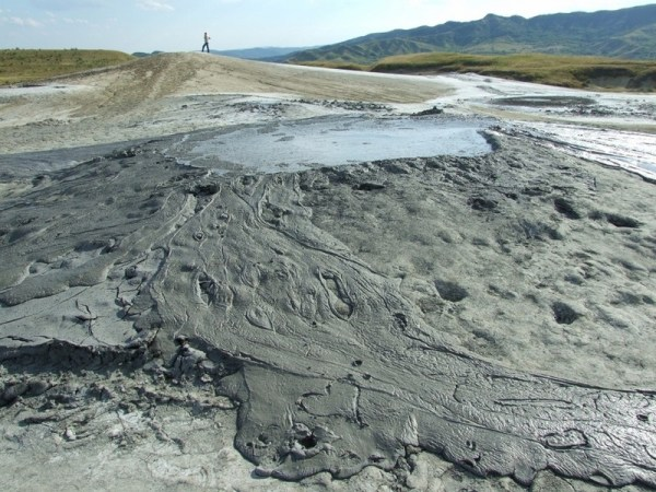 Vulcanii Noroioşi – Pâclele Mici şi Mari ale Buzăului