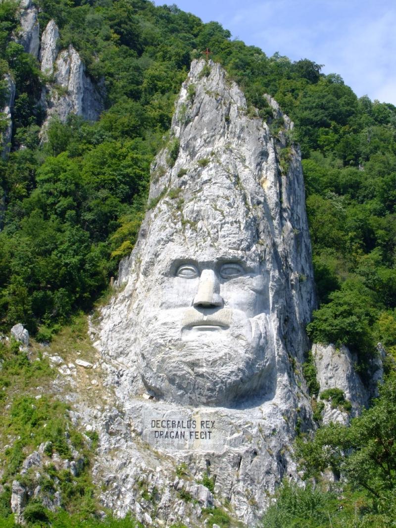 Statuia regelui dac Decebal este cea mai inalta sculptura in piatra din Europa (VIDEO)