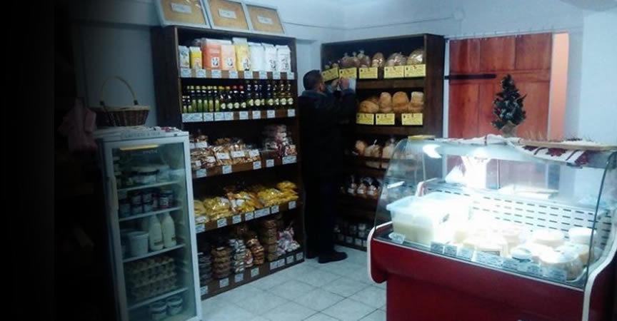 Exemplu pentru TOATA Romania! Fermierii din Alba s-au unit si au deschis un magazin cu 100% produse romanesti, mai frumos ca orice supermarket!