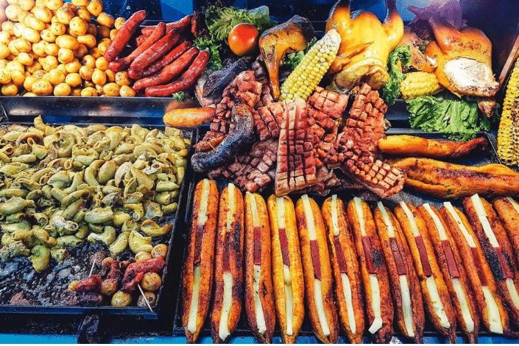 restaurantes, sitios para comer, comida colombiana, comida criolla, chorizos, gallina, caldo, proteína, carnes,