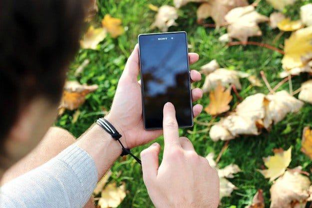 Smartphone Apps for Foraging: Wild Edibles App | 12 Survival Smartphone Apps | Preparedness
