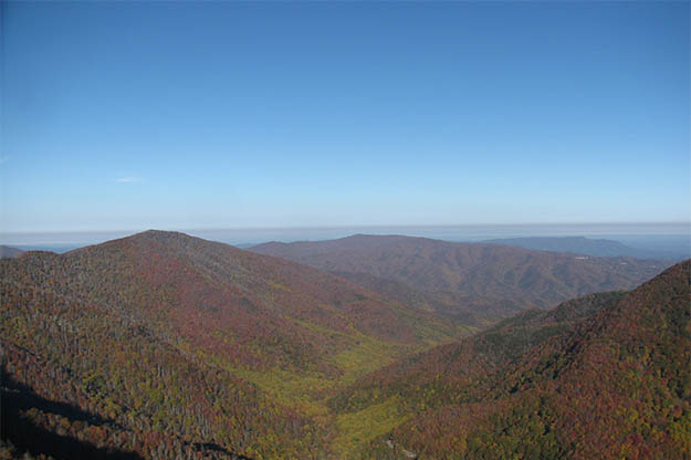 The Sugarlands offer some of the most beautiful vistas in the Great Smoky Mountains National Park. Via summitpost.org