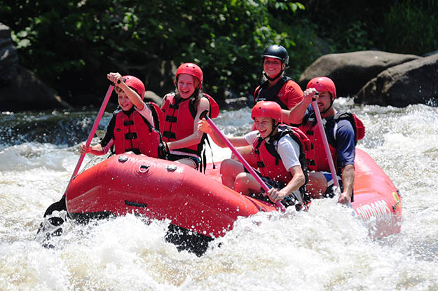 Add some thrill to your Smoky Mountains camping trip with rafting. Via mypigeonforge.com