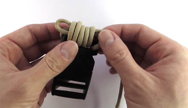diy-paracord-belt-12 | VIDEO: How to Make a Paracord Belt