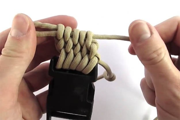 diy-paracord-belt-20 | VIDEO: How to Make a Paracord Belt