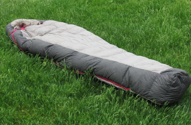 REI Igneo Sleeping Bag | Every Hiker's Wishlist For The Best Hiking Gear This Black Friday