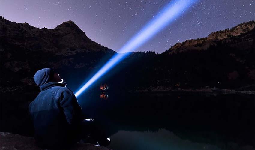 choose-camping-flashlight-big